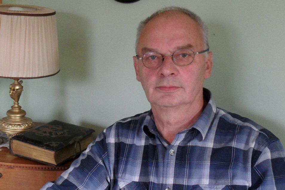 Mehr als 50 Jahre lang sammelte Horst Schäfer aus Waldendorf Feuerzeuge. Jetzt hat der 68-Jährige seine Sammlung ans Riesaer Stadtmuseum vermacht.
