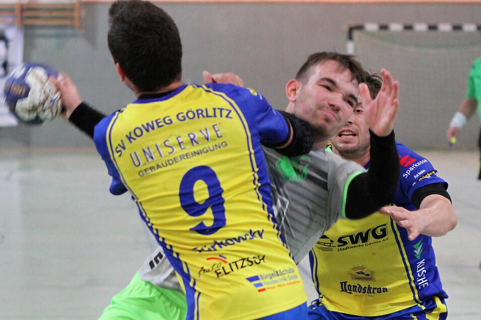 Beim letzten Handball-Sachsenliga-Aufeinandertreffen beider Teams besiegte Koweg Görlitz am 21. September 2019 den LHV Hoyerswerda in dessen Halle mit 29:23 (15:11).