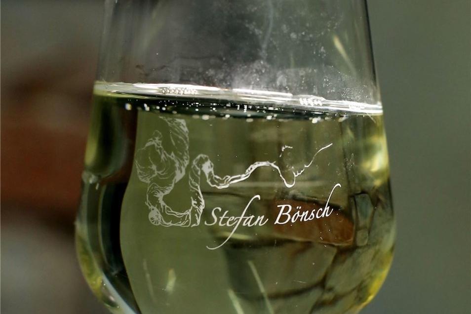 Seine Weingläser hat Stefan Bönsch mit einer besonderen Gravur versehen lassen.