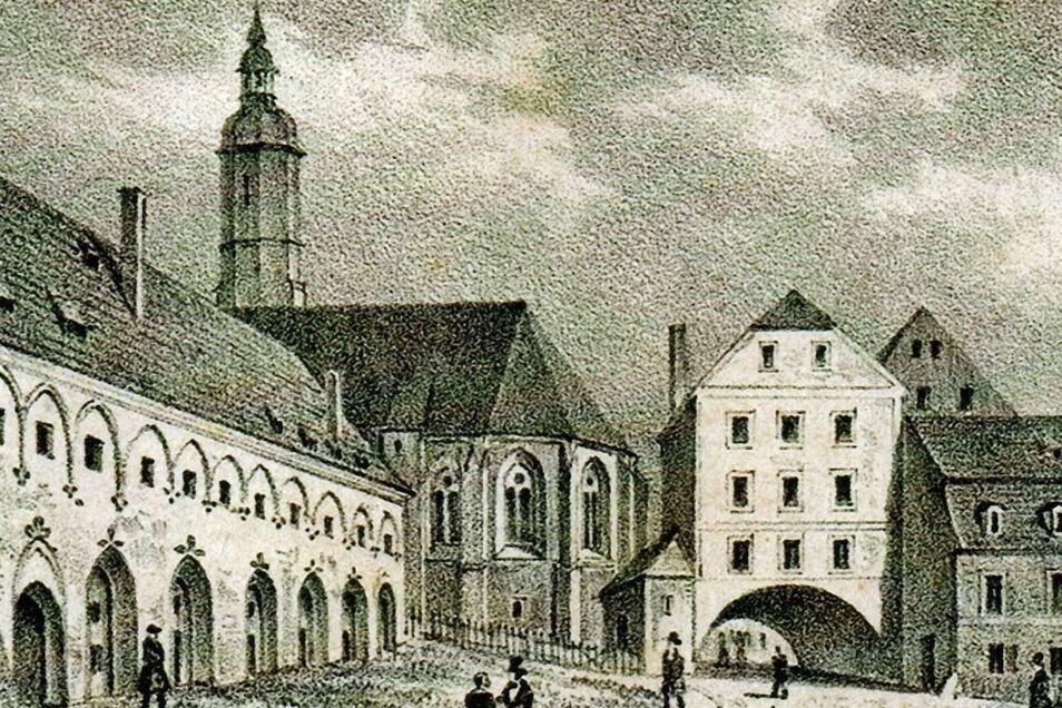 Auf der historischen Darstellung ist der Klosteranbau gut zu erkennen, rechts der Schwibbogen-Durchgang zum Obermarkt.
