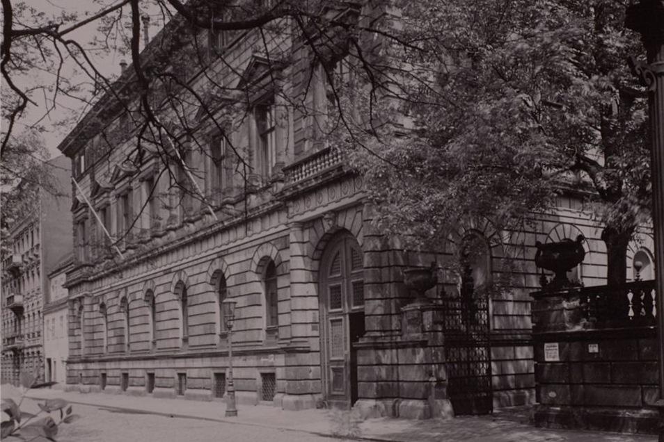 Das Palais Kaskel-Oppenheim an der Bürgerwiese war als Stadtpalast ein typisches Beispiel für den Dresdner Historismus.