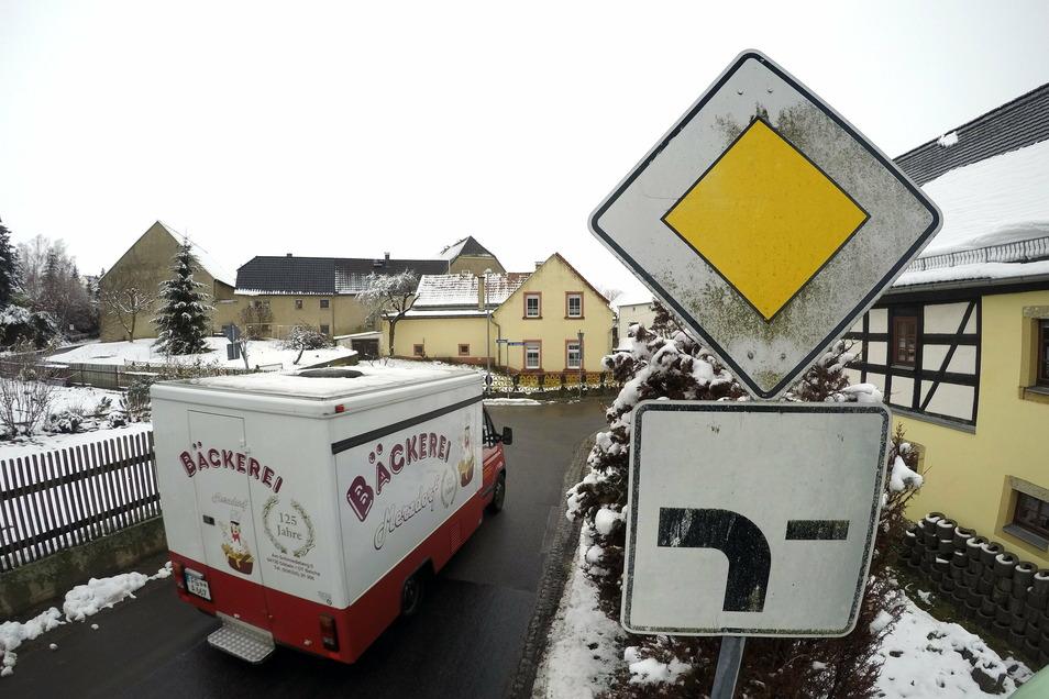 In Präbschütz gilt es derzeit noch eine Hauptstraßenregelung. Mit Einrichten der Zone 30 müssen sich die Autofahrer umstellen.