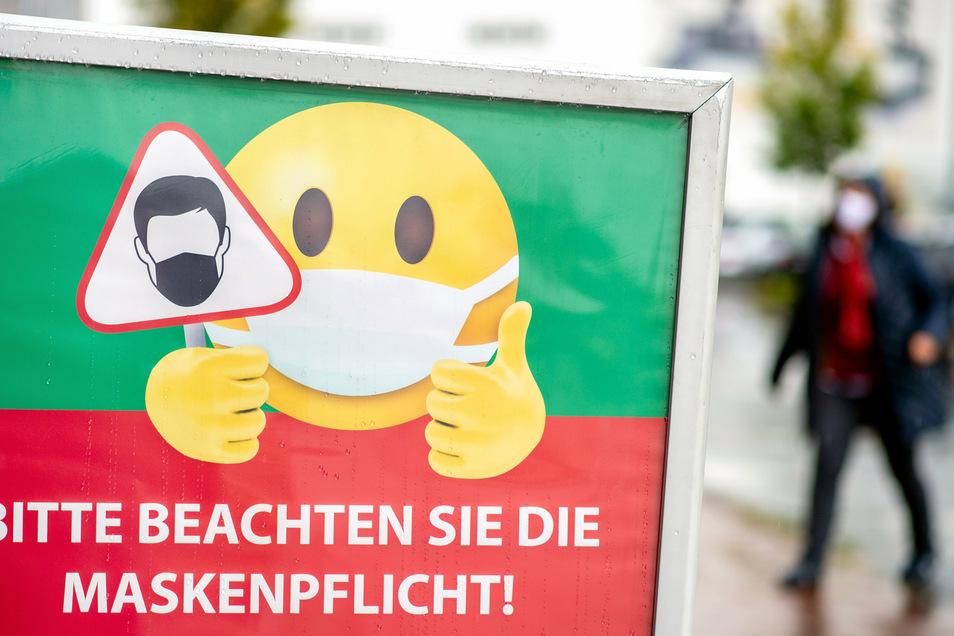 Trotz eindringlicher Bitten und drohender Geldbußen weigern sich manche Dresdner, Maske zu tragen.