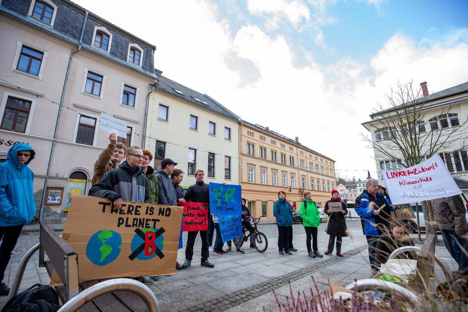 Fridays for Future in Sebnitz: Knapp 30 Menschen kamen zur Kundgebung.