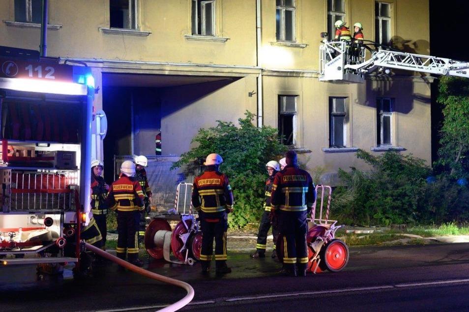 Die Löbauer Feuerwehr musste in der Nacht zum Sonntag ausrücken.
