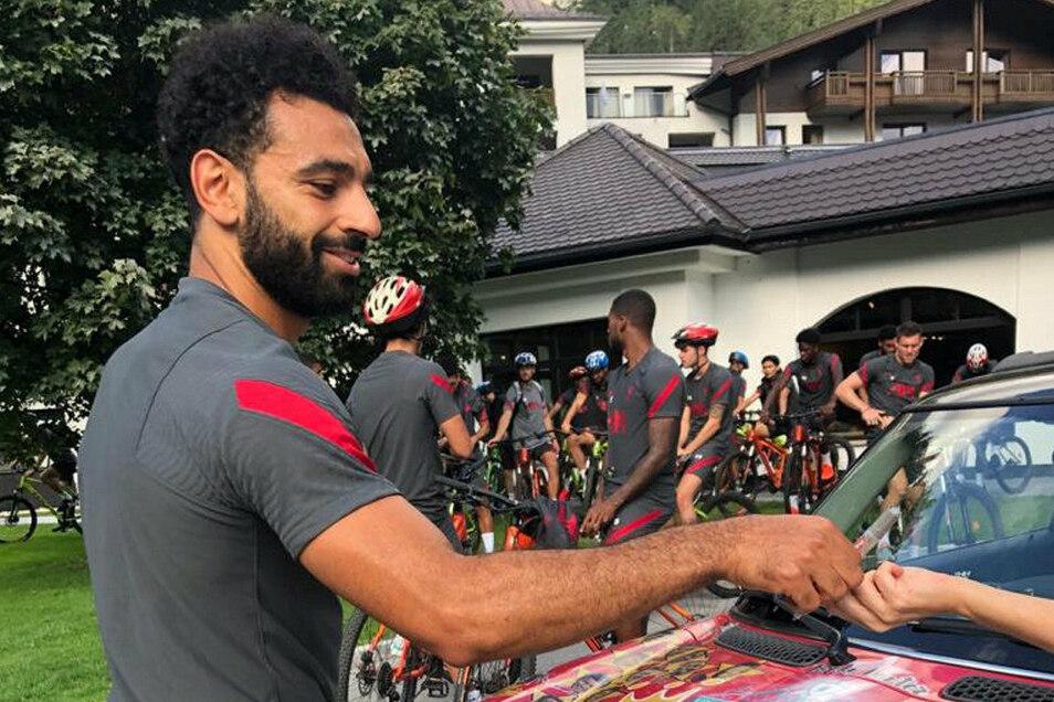 Auch einer der teuersten Fußballer der Welt macht mit: Liverpools Stürmerstar Mohamed Salah.