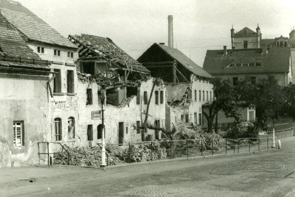 Eine Bombe traf am 7. Mai 1945 das Nachbarhaus in der Südstraße und den Pferdestall des Sägewerkes.