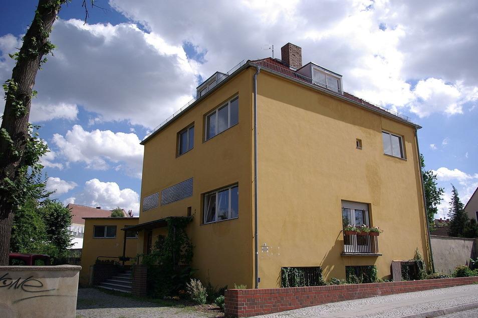 Das ehemalige Wohnhaus von Nils Estrich seinen Großeltern in Jüterbog ist wieder ein Schmuckstück und wird bewohnt. Es ist noch in Stein errichtet worden.