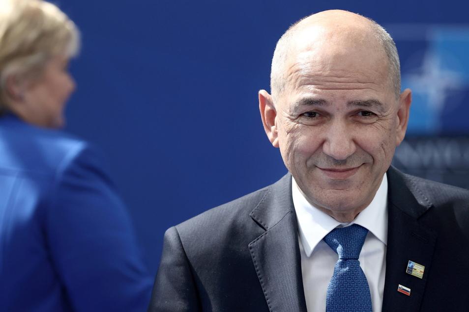 Janez Jansa, Ministerpräsident von Slowenien, kommt an zu einem Nato-Gipfel im Nato-Hauptquartier. Für sechs Monate steht das kleine mitteleuropäische Land im Rampenlicht und soll der Staatengemeinschaft wichtige Impulse geben.
