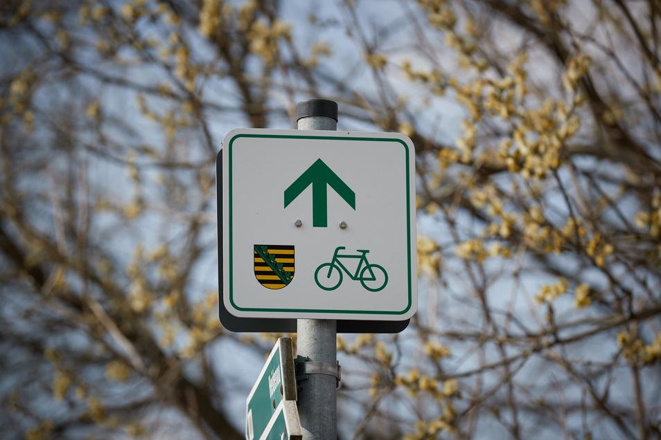 Die überregionalen Radwege in Sachsen werden besser ausgeschildert. Los geht es in Wilsdruff.