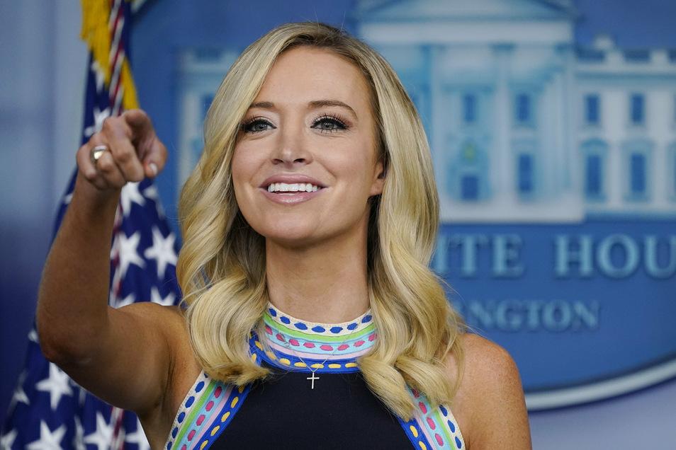 Kayleigh McEnany, Pressesprecherin des Weißen Hauses, ist inzwischen ebenfalls positiv auf Corona getestet worden.