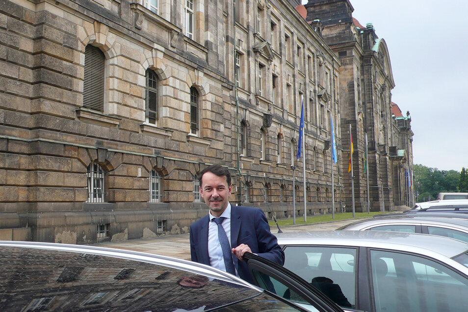 Bislang ist Sachsens Tschechien-Vertreter David Michel mit dem Auto noch schneller in Prag, als die Bahn es schafft.
