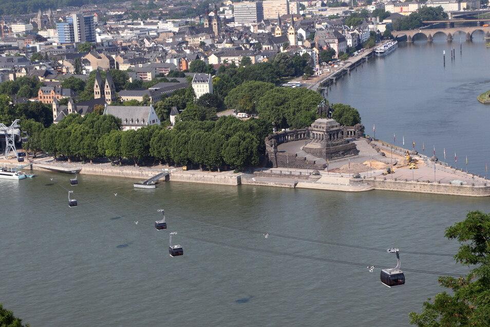 Die Seilbahn sollte Ausstellungsflächen auf der linken Rheinseite mit denen auf dem Ehrenbreitstein rechts des Rheins verbinden.