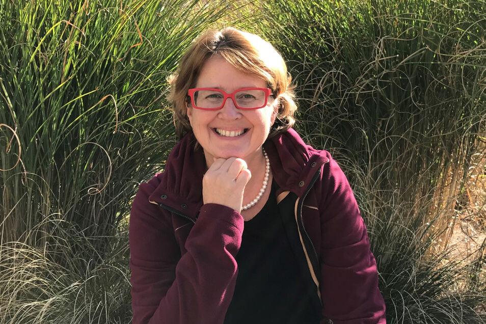 Carmen Lötsch lebt und arbeitet heute in Offenburg. Dort leitet sie den Fachbereich Kultur der Stadt.