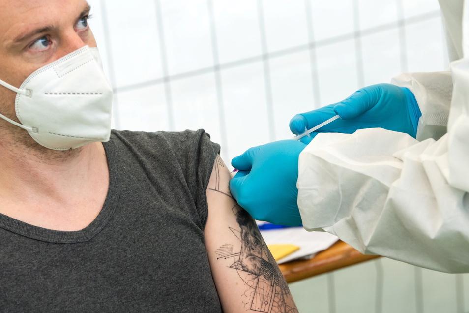 Schützt zu 95 Prozent: die zweite Impfung.