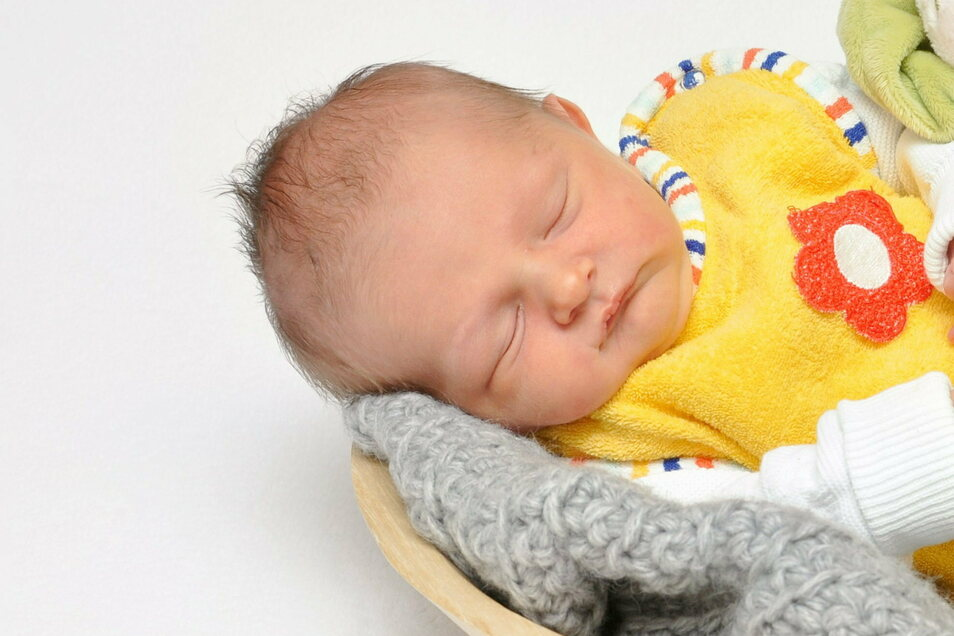 Matteo, geboren am 19. Oktober, Geburtsort: Bautzen, Gewicht: 3.120 Gramm, Größe: 49 Zentimeter, Eltern: Annika Drebes und Felix Jähne, Wohnort: Naundorf