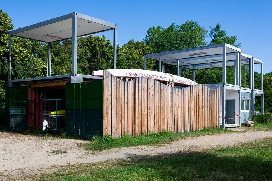 Aus diesen Containern will Matthias Schneider ein neues Lokal am Stausee bauen.