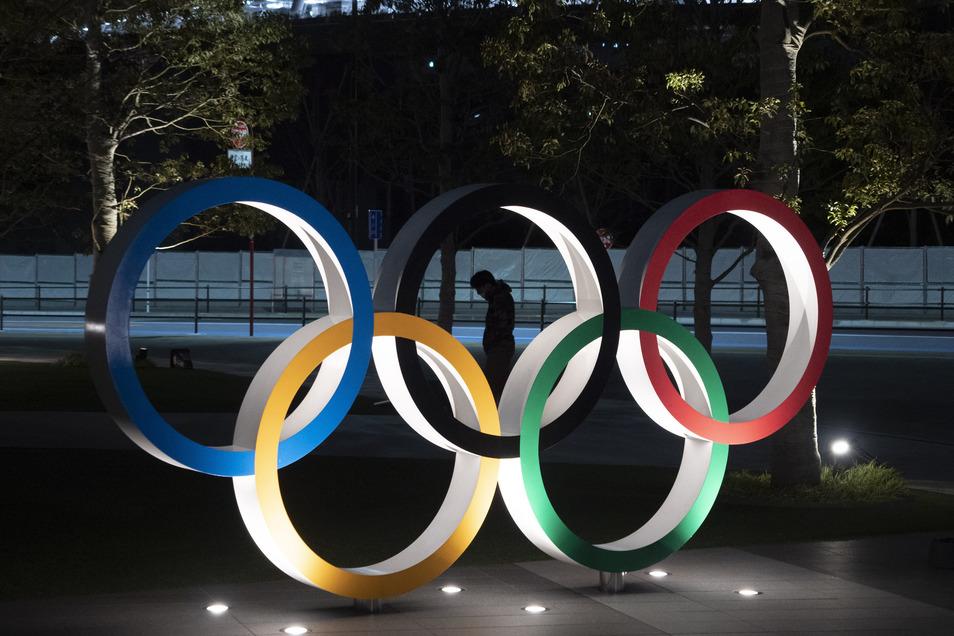 Die Olympischen Ringe vor dem Neuen Nationalstadion in Tokio werden im Sommer 2021 in den Fokus rücken. Vom 23. Juli bis 8. August finden die Spiele statt.