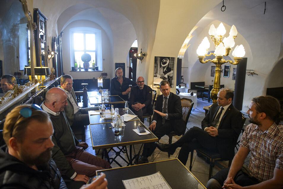 Ministerpräsident Michael Kretschmer im Gespräch mit Görlitzer Gastronomen und Hoteliers.