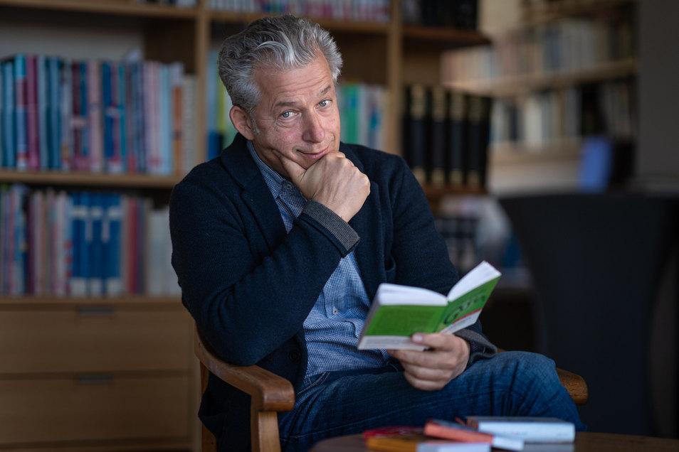 Peter Ufer, Autor und sächsischer Sprachraumpfleger.