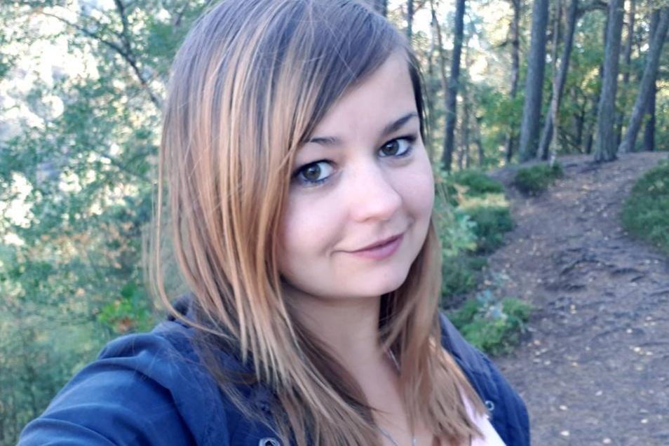 Maria Einhorn: Von der Praktikantin zur festangestellten Beauftragten für Fans mit Behinderung seit 2015. Steile Karriere, die irgendwann auch mit Dynamo durch Europa führen soll.