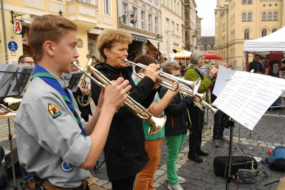 ...aber auch der Posaunenchor aus Jonsdorf hatte auf dem Zitttauer Markt seinen imponierenden Auftritt.