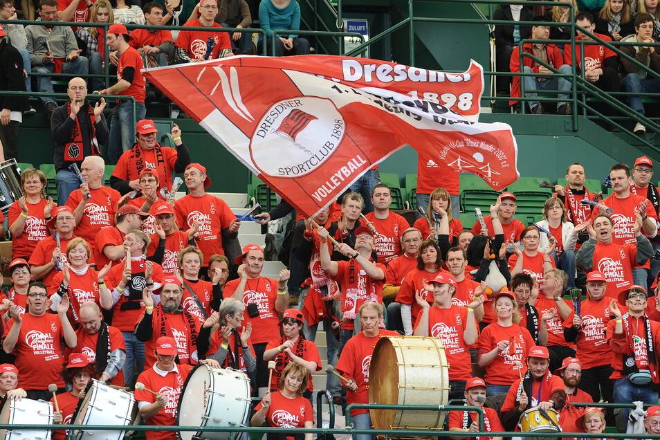 Die Fans des Dresdner SC dicht an dicht – dieses Bild wird es beim Heimspielauftakt der Volleyball-Frauen am 10. Oktober nicht geben. Der Verein favorisiert 3G.
