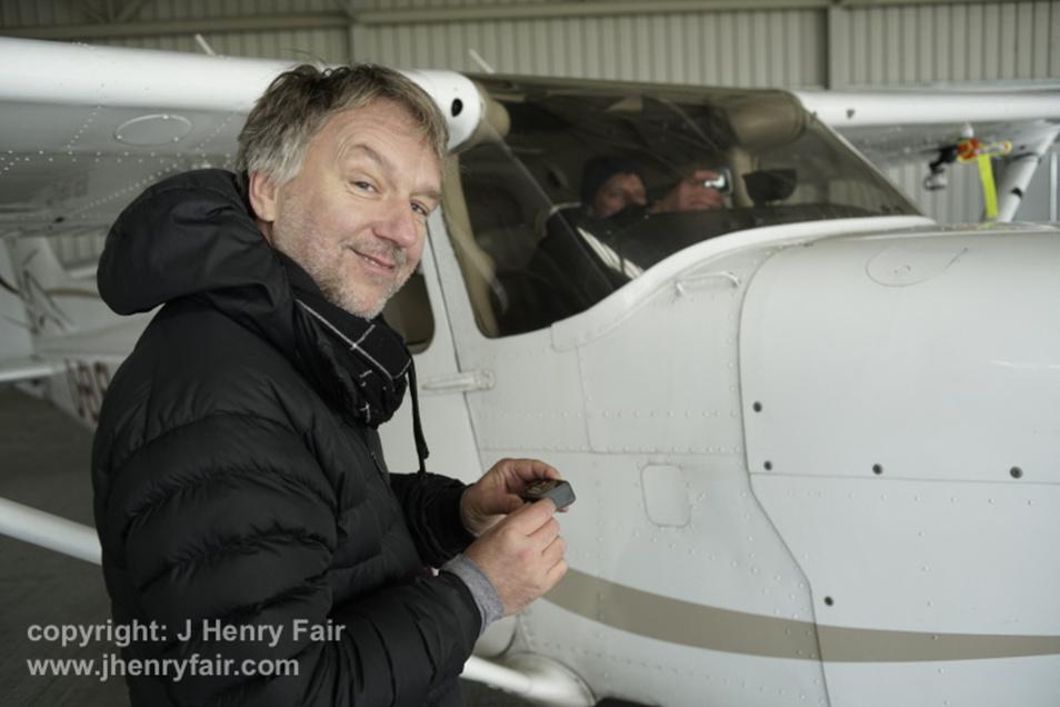Der Künstler J Henry Fair dokumentiert aus dem Flugzeug heraus.