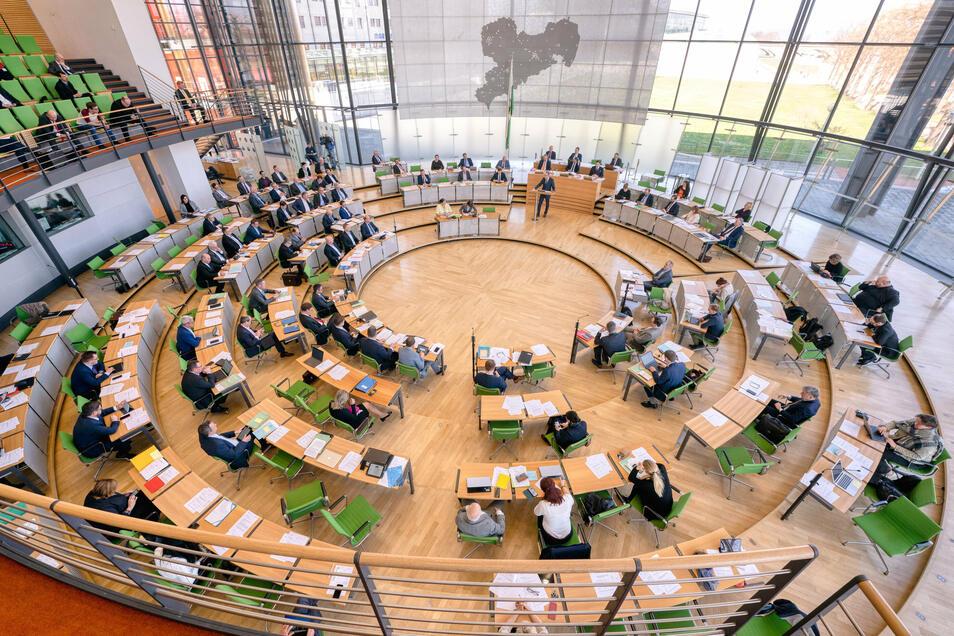 Symbolfoto: Der Landtag stimmte der Verbesserung des Schutzes vor Häuslicher Gewalt mehrheitlich in seiner September-Sitzung zu.