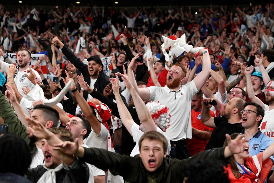 Beim Halbfinale zwischen England und Dänemark waren 64.950 Zuschauerinnen und Zuschauer im Londoner Wembley-Stadion.