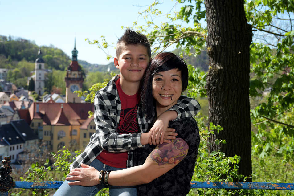 Melanie Doan ist mit ihrem Sohn Anthony gern in der Natur unterwegs. Sollte sie in den Stadtrat gewählt werden, liegen ihr besonders soziale Belange am Herzen.