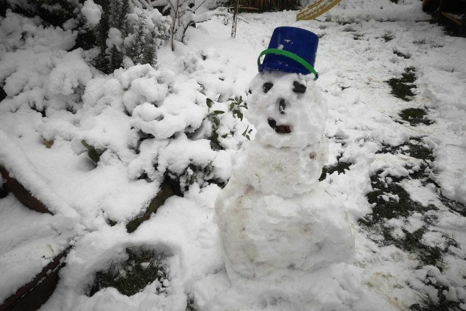 Unzählige Schneemänner entstanden innerhalb weniger Stunden.