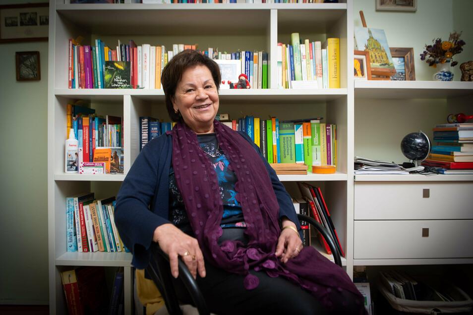 Psychologische Beraterin und Buchautorin Sigrid Stern in ihrem Arbeitszimmer. Mit ihrer Lebenschronik will sie anderen Frauen Mut machen.