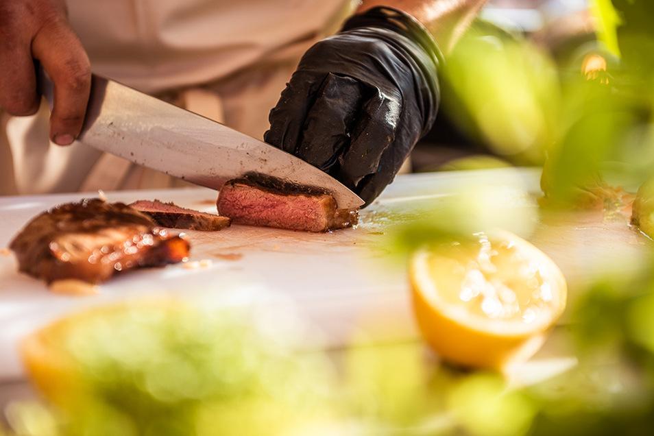 Vegetarisch oder Fleisch und Fisch? Dank Online-Konfiguration bekommt jede Party ihr individuelles Catering.