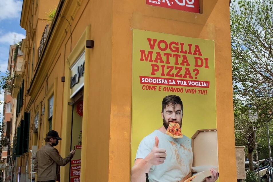 Der Pizza-Automat in Rom ist eine neue Attraktion - und spaltet die Gemüter.