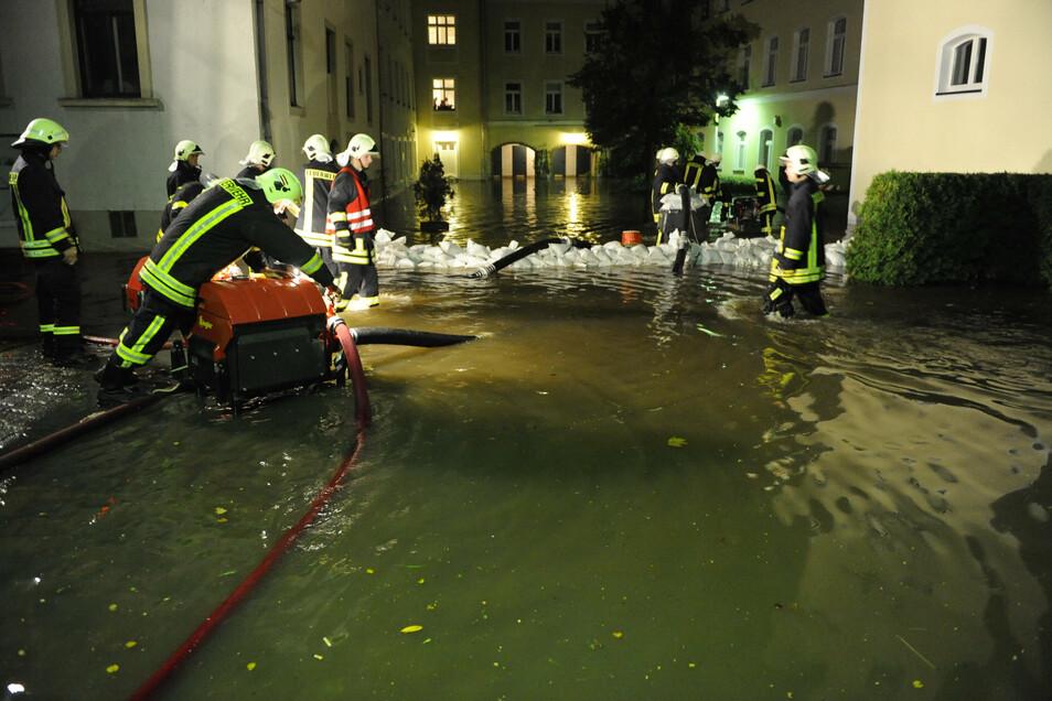 In der Nacht zum 29. September 2010 wurde das Ärztehaus an der Weberallee überflutet.