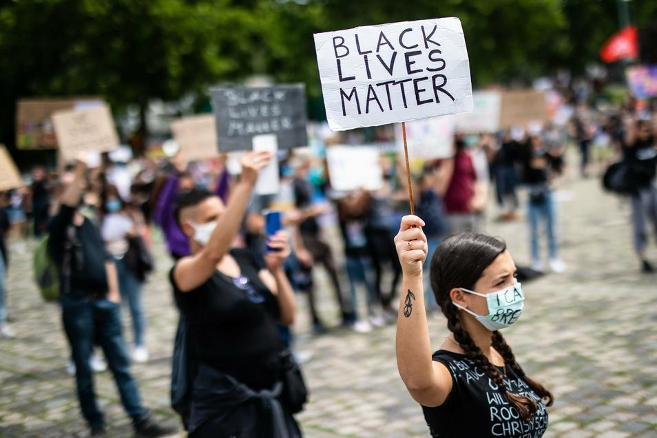 """Bewegung """"Black lives matter"""": Eine neue Debatte über Alltagsrassismus entfacht."""