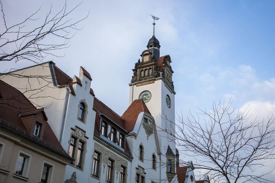 Auch das Rathaus  Potschappel bleibt am Freitag zu.