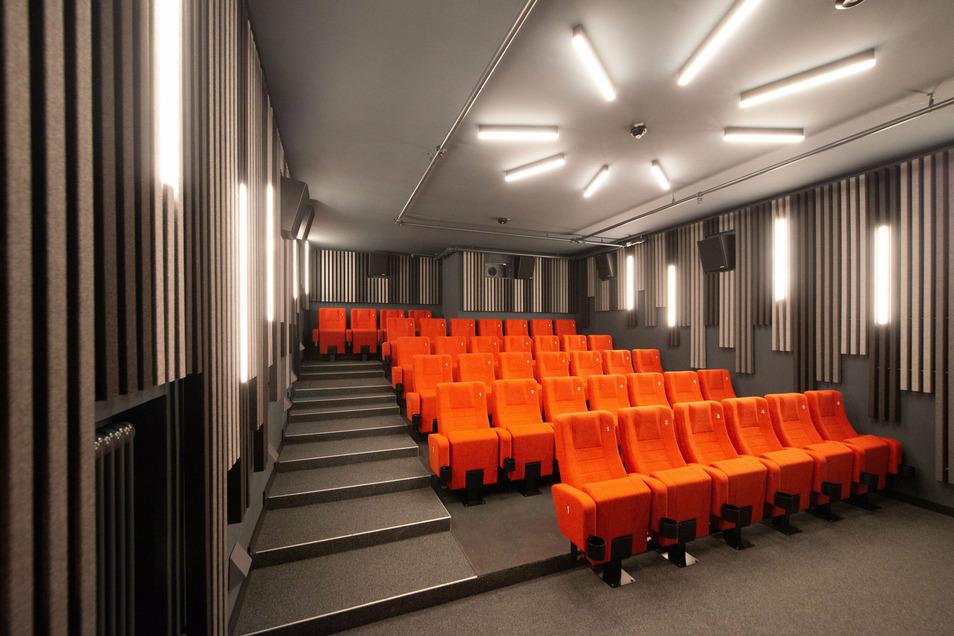 Im kleinen Saal geht es mit 40 Sitzplätzen noch etwas gemütlicher zu.