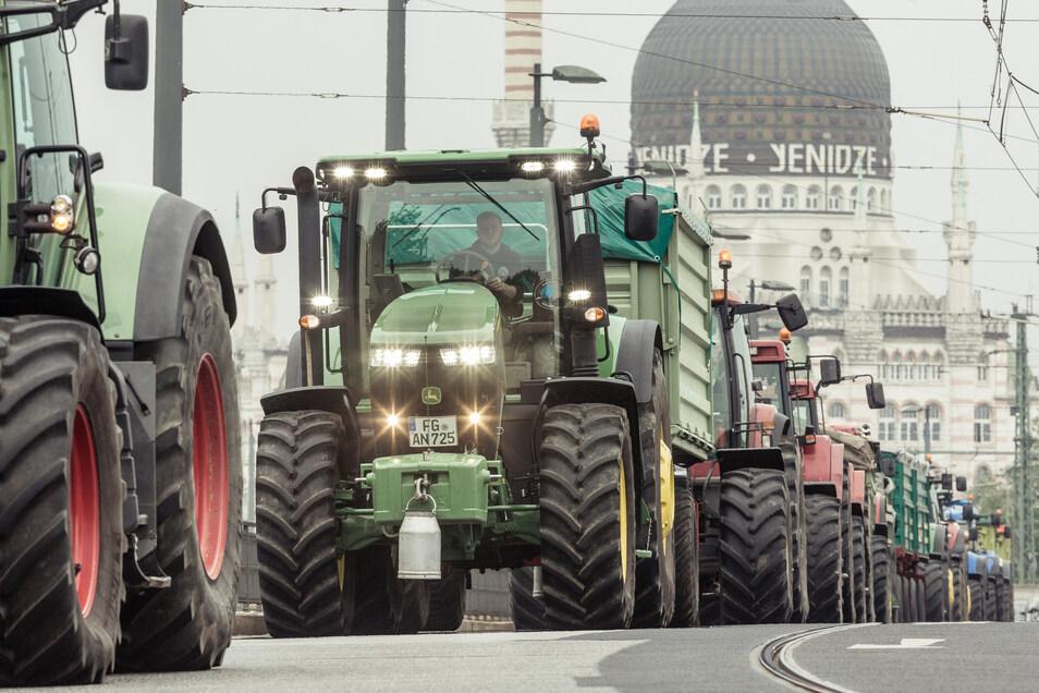 So wie im Jahr 2016 könnte es am Freitag wieder in Dresden aussehen. Hunderte Traktoren werden in der Stadt erwartet.