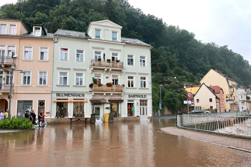 Bad Schandau: Schlimme Erinnerungen an vergangene Hochwasser werden wach.