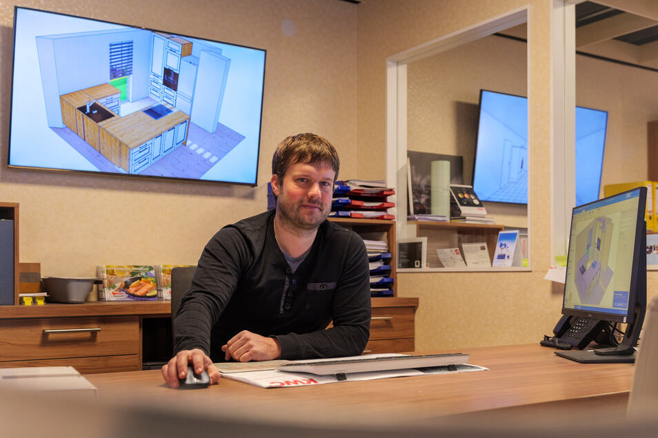 Jan Hülsbusch möchte mit seinem Küchenstudio up to date bleiben und hat sich etwas der Situation Angepasstes ausgedacht.