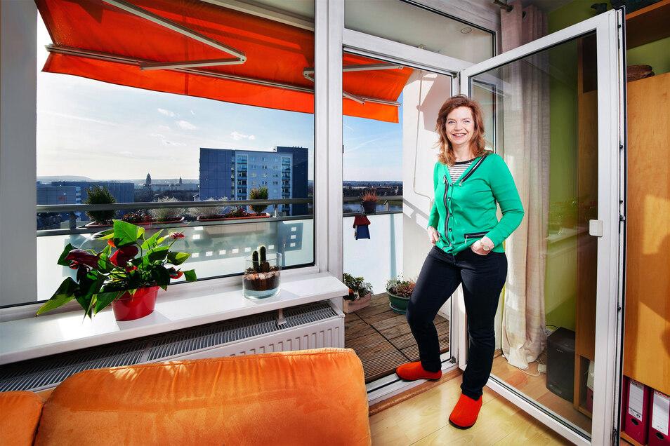 Atemberaubender Ausblick, geräumige Zimmer: So wohnt Simone Esche im 12. Stock.