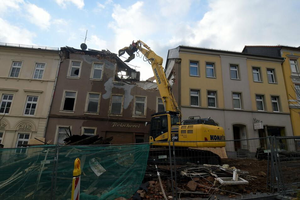 Das Gebäude an der Bahnhofstraße 25 in Waldheim wurde im Auftrag des Landratsamtes abgerissen.