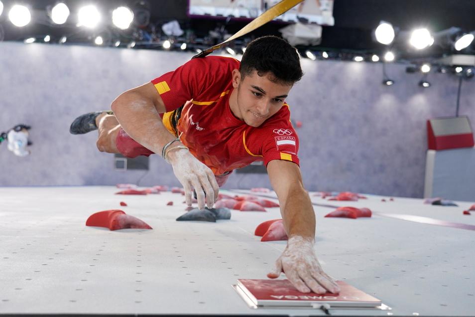 Alberto Gines Lopez aus Spanien ist der erste Olympiasieger im Klettern.