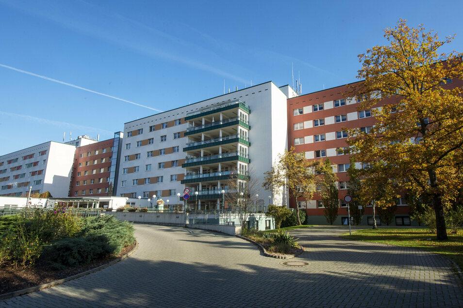 Sämtliche Bewohner und Mitarbeiter des Seniorenheims Sächsische Schweiz in Pirna werden nach dem Corona-Ausbruch jetzt auf Covid-19 getestet.
