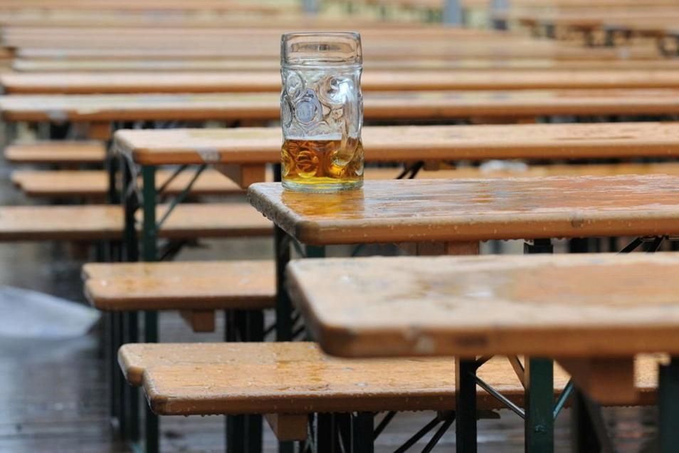Bierzeltgarnituren hat die Gemeinde Großweitzschen einige. Diese wurden bislang immer kostenfrei abgegeben. Das soll sich nun nach einem Ratsbeschluss ändern.
