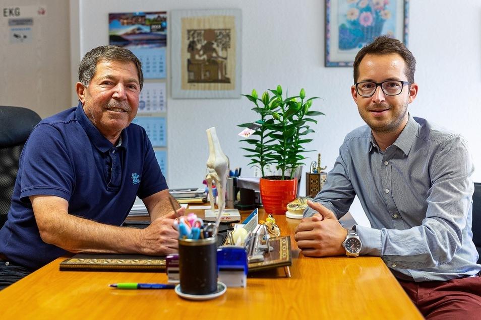 Dr. Hassan Borghol (li.) geht in den Ruhestand. Seine Praxis in Rabenau übergibt er an Dr. Vinzenz Grahl.