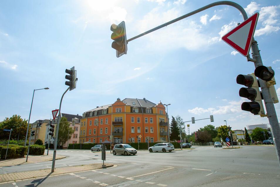 """Noch geht es in die eine und andere Richtung sowie rechts und links, künftig soll es auch zwischen Siegfried-Rädel-, Zschierener und Dresdner Straße """"rund"""" gehen."""