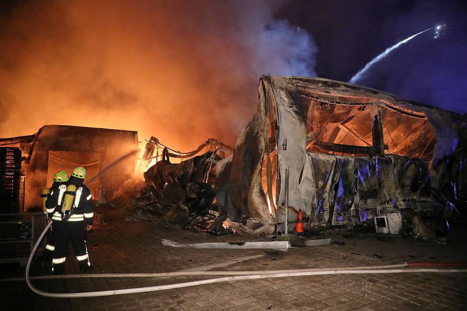 Die Lagerhalle war nicht mehr zu retten.